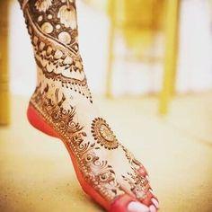 Detailed Trendy and Stylish Mehndi Design Images - Sensod - Create. Ankle Henna Designs, Stylish Mehndi Designs, Dulhan Mehndi Designs, Mehndi Design Images, Henna Tattoo Designs, Bridal Mehndi Designs, Bridal Henna, Mehndi Tattoo