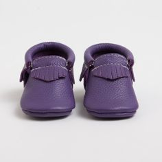 Huckleberry - Limited Edition Moccasins from Freshly Picked Cute Shoes, Me Too Shoes, Freshly Picked Moccasins, Little Fashionista, Trendy Kids, Huckleberry, Kid Styles, Kids Wear, Baby Items