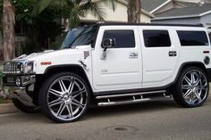 Top Luxury Cars Women Are Most Attracted To – Hummer Hummer H2, Hummer Cars, Hummer Truck, Preppy Car Accessories, Luxury Van, Top Luxury Cars, Chevy Pickup Trucks, Bmw Models, Suv Cars