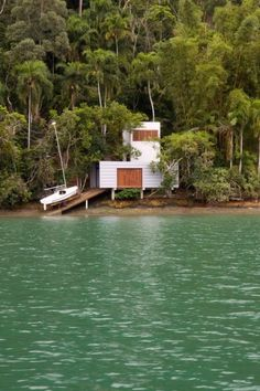 house by the water- guatemala