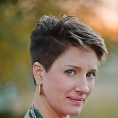 Impeccable Short Hairstyles for Thick Hair - hairstyles 19