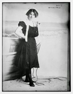 vintage everyday: 30 Interesting Photos of Swimwear Styles in the Victorian Era
