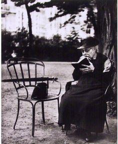 Bois de Boulogne, Parisby Lisette Model Date: 1933-1938