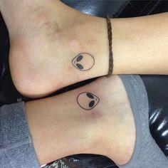 Quem te uma tatoo de Alienígena?