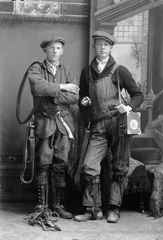 Men's Working Class Clothing Old Pictures, Old Photos, Steampunk, Vintage Outfits, Vintage Fashion, Vintage Clothing, Mode Costume, La Mode Masculine, Working Class