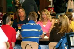 Taylor Swift at lunch in highs school