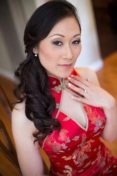 A breathtaking asian bride steals the show with her bold red dress, sideswept curls, and glamorous neutral eye makeup. Neutral Eye Makeup, Dramatic Makeup, Side Curls, Man And Wife, Asian Bride, Makeup Photography, Fresh Face, Wedding Make Up, Brows
