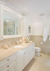 Beautiful clean and crisp bright bathroom