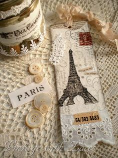 Eiffel Tower bookmark - if i was crafty i'd make you this Card Tags, Gift Tags, Handmade Tags, Handmade Bookmarks, Vintage Bookmarks, Craft Projects, Sewing Projects, Book Markers, I Love Paris
