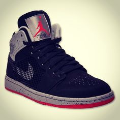 Agree or disagree: The Air Jordan 1 '89 is one of the best hybrids we've ever seen #Padgram