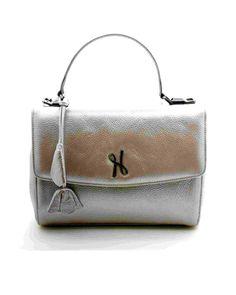 Sac à main le Luxembourg Nouveaux coloris ! Ce sac à la fois pratique et élégant est idéal pour apporter une touche glamour à toutes tenues.   Dimensions : 26 (L) x 18 (H) x 13 cm Une lanière, deux poches intérieures  #Hayariparis #leatherbag #frenchbrand #luxury