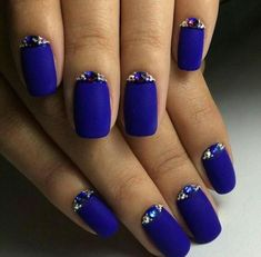 Squoval nails are same as square nails that have oval edges. Explore the trendiest squoval nail designs handpicked just for you. Fancy Nails, Trendy Nails, Cute Nails, My Nails, Polish Nails, Fabulous Nails, Gorgeous Nails, Blue Nail Designs, Blue Design