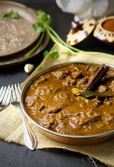Rogan Josh (Lamb Curry) | Sounds delish... but way too much work for now.... another time! Lamb Recipes, Curry Recipes, Meat Recipes, Indian Food Recipes, Chicken Rogan Josh Recipes, Real Food Recipes, Lamb Dishes, Curry Dishes, Lamb Rogan Josh