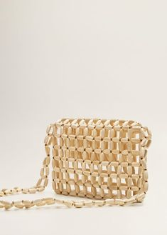 Discover the latest trends in Mango fashion, footwear and accessories. Wooden Bag, Beaded Bags, Diy Accessories, Knitted Bags, Vintage Sewing Patterns, Shoulder Bag, Diy Bags, Jewelry, Women