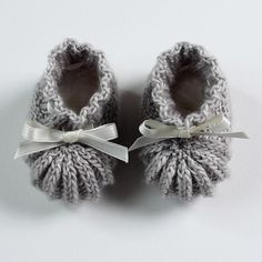 Knitted Baby Booties with Pattern.  40 + Knit Baby Booties with Pattern--> http://coolcreativity.com/knit-2/knit-baby-booties-with-pattern/ #Knitting #Booties # Baby #Pattern