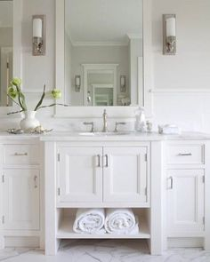 But why bother when you have the perfect tile right here? Said the so-called #kitchendesigner at the #bigboxstore that's what my #rant is about today on the blog #dontmissit #linkinprofile #allbathroomsshouldbewhite #allbathroomsshouldbecream #classicandtimeless