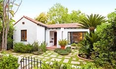 Spanish looker (© Realtor.com) http://realestate.msn.com/picture-perfect-14-homes-with-curbside-wow#