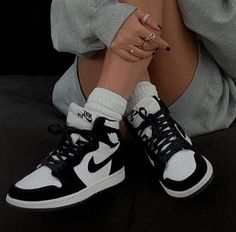 air jordan 1 black & white - Source by isabellalupina - Sneakers Mode, Sneakers Fashion, Shoes Sneakers, Fashion Outfits, Men's Shoes, Dior Shoes, Chanel Shoes, Girls Sneakers, Fashion Socks