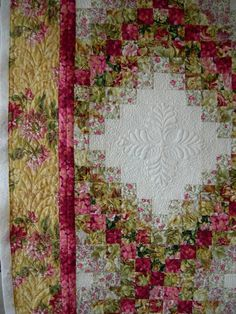 watercolor quilt with double irish chain. Patchwork Quilting, Bargello Quilts, Longarm Quilting, Free Motion Quilting, Machine Quilting, Quilting Projects, Quilting Designs, Quilting Ideas, Watercolor Quilt