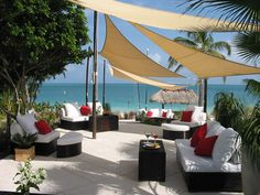 This amazing lounge enhances the gorgeous surroundings and gives guests a nice place to get out of the sun.