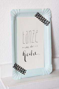 Heute gibt es eine neue Wanddeko Idee mit DIY-Anleitung und euer Lieblings Handlettering als Printable zum Download!