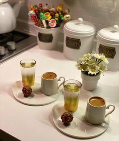 Easy Bread Recipes, Tea Recipes, Cooking Recipes, Coffee Presentation, Food Decoration, Diy Table, Coffee Time, Turkey, Anniversary
