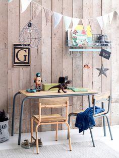 #Kinderburo inspiratie nieuw blog Kinderkamerstylist.nl | Op de afbeelding buro Kidsdepot