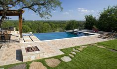 Infinity Pool In New Braunfels Texas