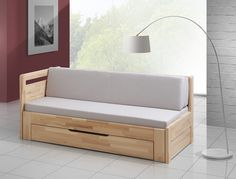 Rozkládací postel Move Plus složená Sofa Bed Wooden, Wood Daybed, Diy Daybed, Wooden Pallet Furniture, Diy Sofa, Sofa Furniture, Homemade Couch, Futon Bed Frames, Small Bedroom Storage