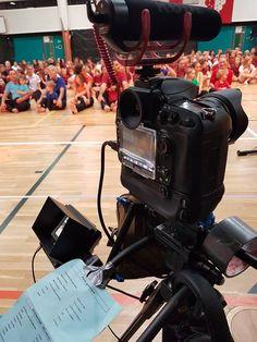 Tournage du film de la Fédération de Gym de Pully avec notre service photographique Vertical-Element en 2017 & 2018 Best Wordpress Themes, Service, Gym, Digital, Turning, Hands, Photography, Excercise, Gymnastics Room
