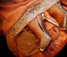 Dulhan Bride Pakistani South Asian Wedding Henna Mehndi