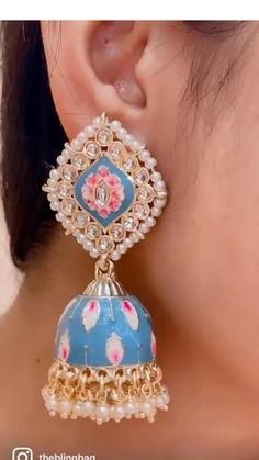 India Jewelry, Gold Jewelry, Jewlery, Fashion Art, Fashion Jewelry, Earring Crafts, Turquoise Earrings, Jamun Recipe, Dangle Earrings