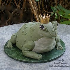 Grooms Gone Wild! Billy the Bullfrog  The Bakers: Sedona Sweet Arts, Sedona, AZ  The Challenge: Give the bride a chance to turn a frog into a prince.  Fun Fact: At the rehearsal dinner, the bride kissed the frog, removed the sugar crown, and placed it on her groom.