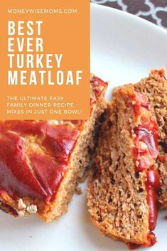 Add this easy family meal to your meal planning rotation! Ground turkey meatloaf mixes up in just one bowl, then bake. Easy enough for beginner cooks to make! This delicious ground turkey meatloaf mixes up in one bowl. Such an easy family meal! Ground Turkey Meatloaf, Ground Turkey Soup, Ground Turkey Meal Prep, Ground Turkey Tacos, Ground Turkey Recipes, Healthy Turkey Meatloaf, Ground Turkey Dinners, Turkey Loaf, Hamburgers
