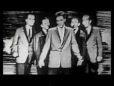 Elvis Presley - Love Me - YouTube