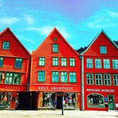 ノルウェーのベルゲンにあるブリッゲン。 #norway #bergen #bryggen #travel #trip #travelgram #instatravel #travelpics #traveladdict #travelblog #instapassport #instapic #instphoto #世界の絶景 #旅の振り返り#ノルウェー #ベルゲン #ブリッゲン #2016年5月