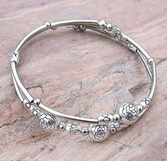 Tibetan Silve hand chain bracelet Bangle jewelry sterling silver quality jewel - Jewelry For Her Jewelry For Her, Rose Jewelry, Jewellery, Diy Jewelry, Silver Bracelets, Bangle Bracelets, Diy Bracelet, Hand Chain, Anklet