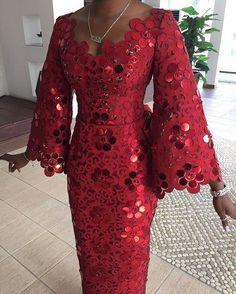 Komole Iro and buba in embellished daisy swirl motif. - Women's style: Patterns of sustainability Nigerian Lace Styles, African Lace Styles, African Lace Dresses, African Dresses For Women, African Attire, African Wear, African Fashion Dresses, African Women, Ankara Styles