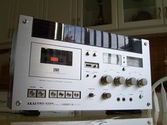 Akai GXC-570D cassette deck