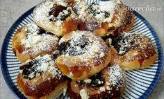 Moravské koláče (fotorecept) - recept | Varecha.sk Doughnut, Desserts, Food, Tailgate Desserts, Deserts, Essen, Postres, Meals, Dessert