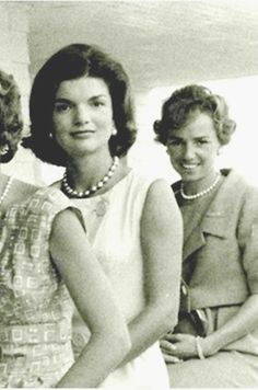 """First Lady Mrs ~~Jacqueline Lee (Bouvier) Kennedy Onassis """"Jackie"""" (July 28, 1929 – May 19, 1994).and Mrs.Ethel Skakel Kennedy (born April 11, 1928) ♡❀♡✿♡❁♡✾♡✽♡❃♡❀♡ http://en.wikipedia.org/wiki/Jacqueline_Kennedy_Onassis http://en.wikipedia.org/wiki/Ethel_Kennedy"""