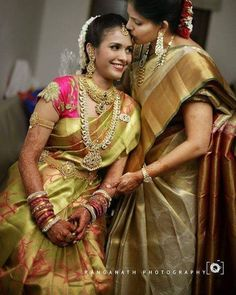 traditional south indian bride wearing bridal saree jewellery and makeup South Indian Bridal Jewellery, South Indian Weddings, Indian Bridal Wear, Indian Wedding Jewelry, South Indian Bride, Kerala Bride, Hindu Bride, Indian Wear, Saree Jewellery