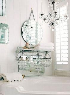 shabby-chic-chandaliers-for-shabby-chic-bathroom-decor