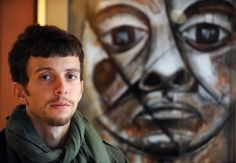 Algerian artist paints his generation's despair