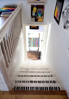 piano keys painted on a staircase! so cool!