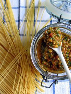 Tra dolce ed amaro: Sommerpasta Teil IV: Spaghettini con pesto alla Trapanese