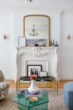 Old Hollywood Apartment | Black Lacquer Design