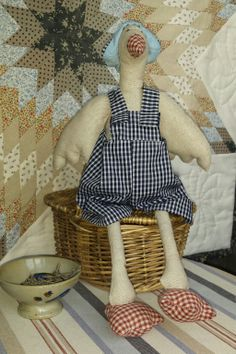 Oca Wicker, Chair, Furniture, Home Decor, Fabric Dolls, Projects, Recliner, Homemade Home Decor, Home Furnishings