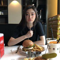 Korean Fashion Ulzzang, Korean Girl Fashion, Ulzzang Korean Girl, Cute Korean Girl, Asian Girl, Cool Girl Pictures, Korean Photo, Girl Korea, Jimin Wallpaper