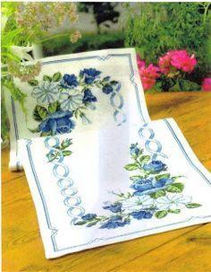 ru / Фото - ***** - celita -- Same in Blue Blue Roses, Blue Flowers, Cross Stitch Designs, Cross Stitch Patterns, Cross Stitch Pillow, Table Runner Pattern, Cross Stitch Flowers, Table Toppers, Le Point